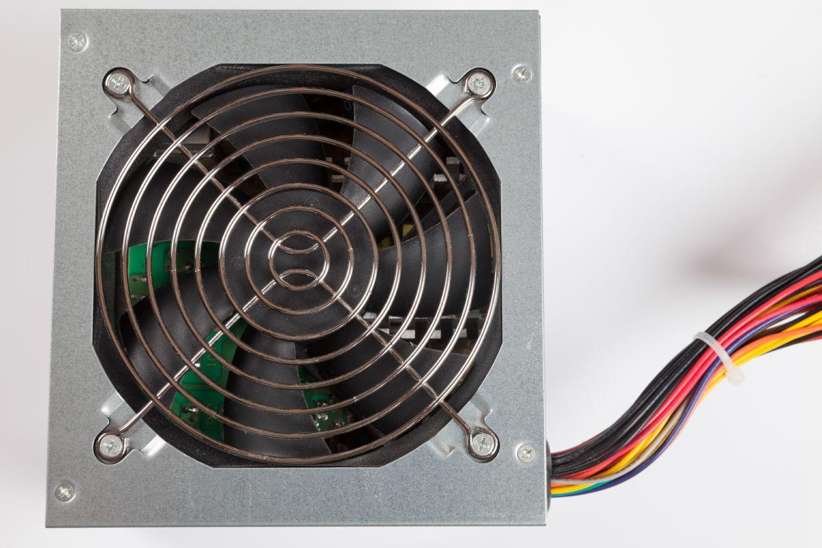 ventilator hladjenje uredjaja